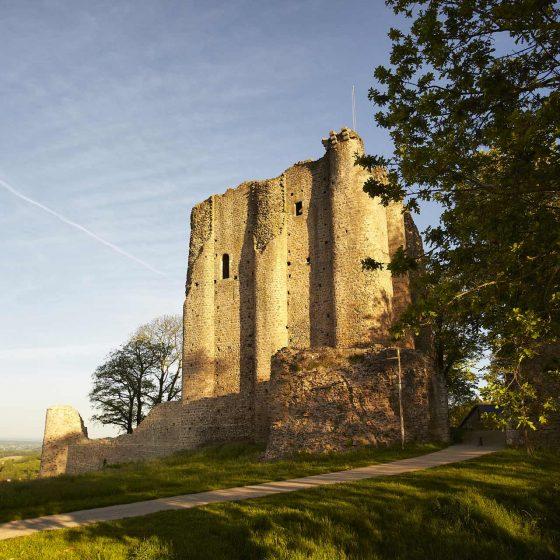 L'entrée du château de Pouzauges