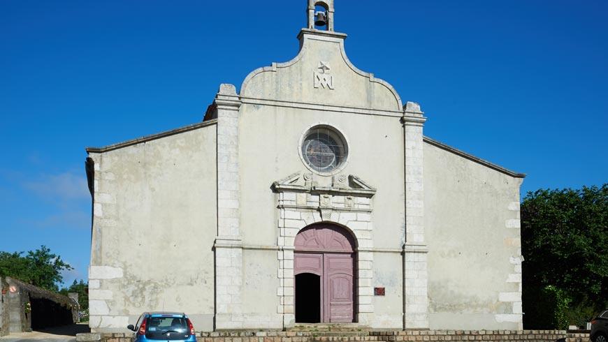 Parvis chapelle de la Flocellière