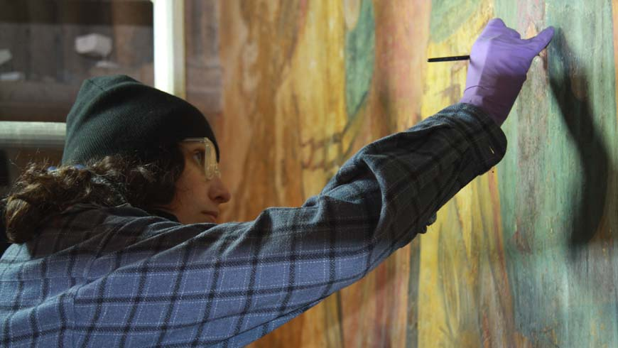 Géraldine Fray restauratrice de peintures murales