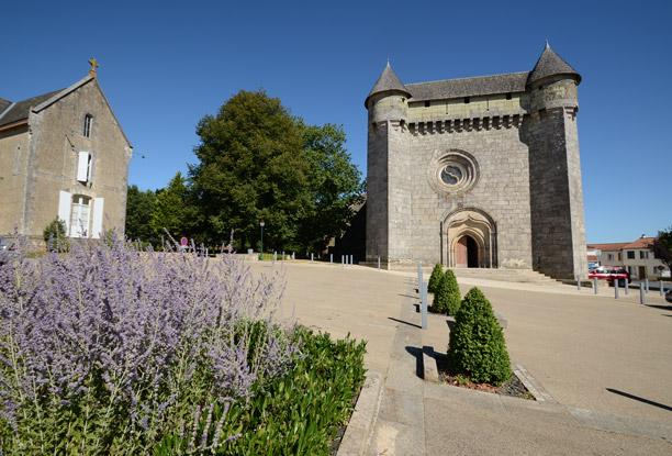 Eglise fortifiée du Boupère