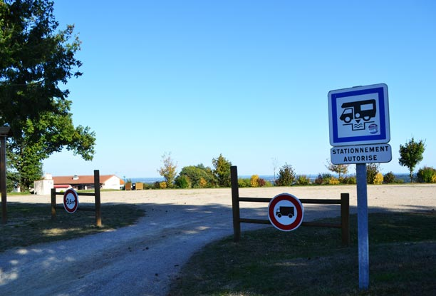Aire camping car Saint-Michel-Mont-Mercure